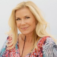 Katherine Kelly Lang (Brooke Logan) star d'un film Italien !