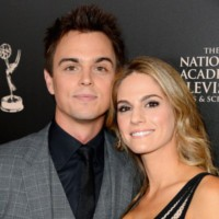 Carnet rose : Darin Brooks (Wyatt Spencer)  et Kelly Kruger (Mac Browning) bientôt parents !