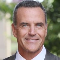 Richard Burgi (ex Karl Mayer dans Desperate Housewives) arrive dans les Feux de l'Amour