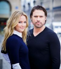 Visite de Sharon Case et Joshua Morrow à Paris, suivi des interviews