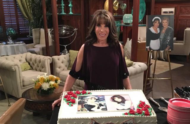 Kate Linder (Esther) fête ses 35 ans dans les Feux de l'Amour