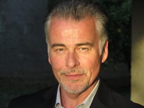 Ian Buchanan (James Warwick) de retour dans Amour, Gloire et Beauté – Top Models