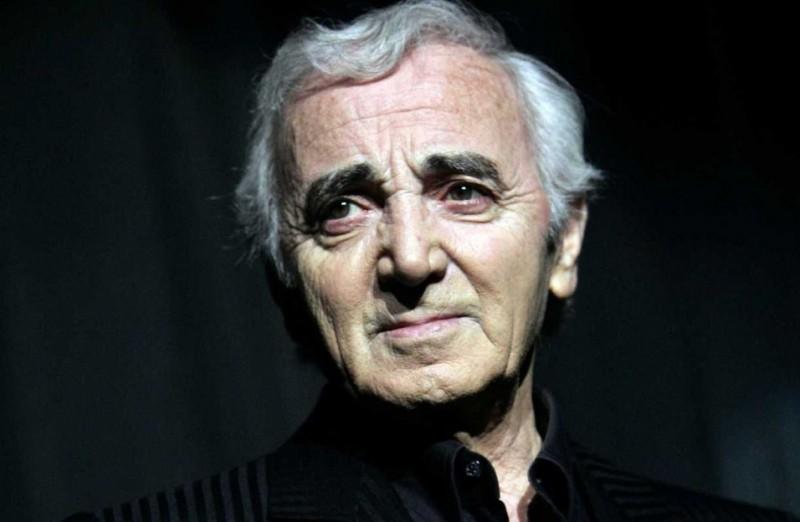 Hommage à Charles Aznavour : quelles conséquences sur les programmes télé ?
