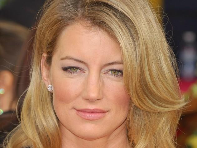 Cynthia Watros (ex Kelly Andrews des Feux de l'Amour) remplacera Michelle Stafford