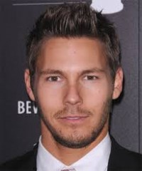 Scott Clifton prolonge.