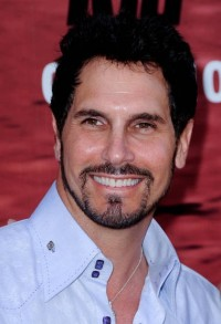 Don Diamont a signé!