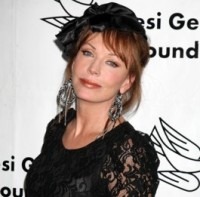 Lesley Anne Down quitte AGB !