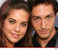 Lyndsy Fonseca demande le divorce