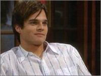 Les Feux de l'Amour, épisode N°7922 diffusé le 12 juillet 2004 sur cbs aux USA