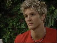Les Feux de l'Amour, épisode N°7933 diffusé le 27 juillet 2004 sur cbs aux USA