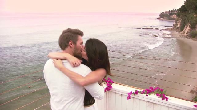 Amour, Gloire et Beauté - Top Models, épisode N°7441 diffusé le 14 octobre 2016 sur cbs aux USA