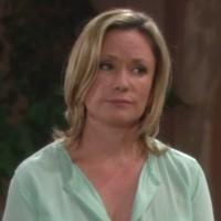 Amour, Gloire et Beauté : Karen (Joanna Johnson) soutient Katie à fond!
