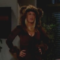 Amour, Gloire et Beauté : Brooke (Katherine Kelly Lang) aime faire des surprises!