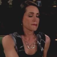 Amour, Gloire et Beauté : Quinn (Rena Sofer) vient d'avoir Bill au téléphone...