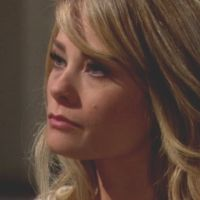 Amour, Gloire et Beauté : Hope (Kimberly Matula) a manifestement un problème...