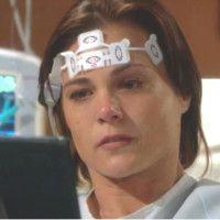 Les Feux de l'Amour : Phyllis (Gina Tognoni) est bien plus réveillée que ce qu'on pense.