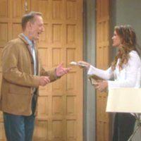 Les Feux de l'Amour : Les visites de Jeffrey (Ted Shackelford) sont rarement gratuites !
