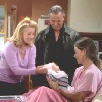Les Feux de l'Amour : Nikki (Melody Thomas Scott) et Victor découvrent leur petite-fille.