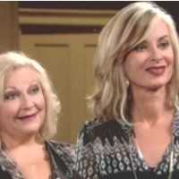 Les Feux de l'Amour : Ashley (Eileen Davidson) et Traci sont étonnées par la nouvelle attitude de Phyllis.