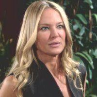 Les Feux de l'Amour : Sharon (Sharon Case) trouve injuste d'avoir été virée.